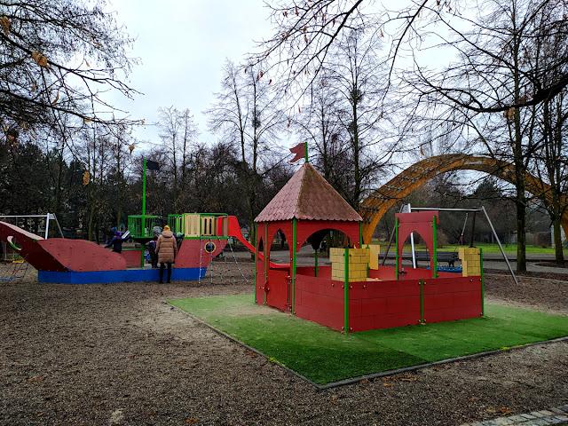 plac zabaw Park Strachociński