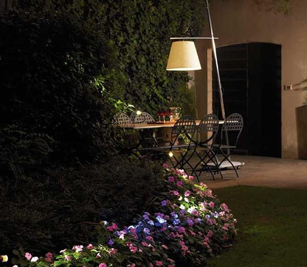Modern Outdoor Lighting Design: Outdoor Lighting Designer: Modern Outdoor Lighting Design