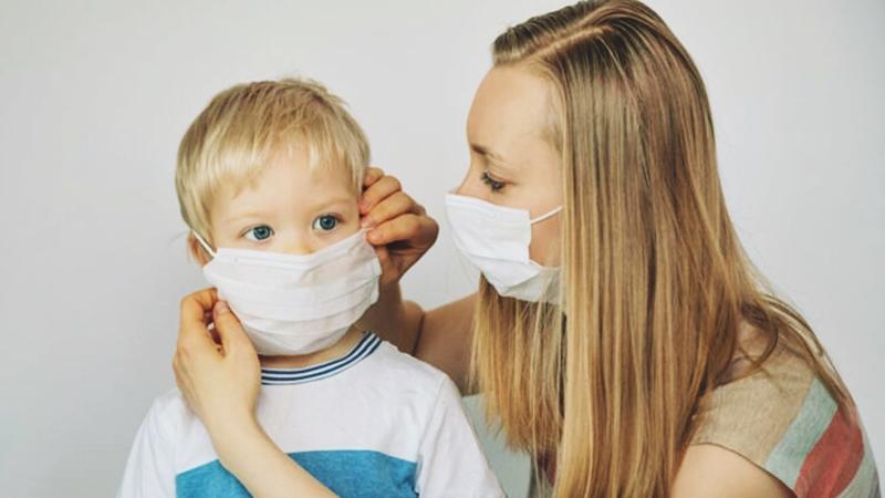 Minikler normalleşirken ebeveynler panik mi yaşıyor?