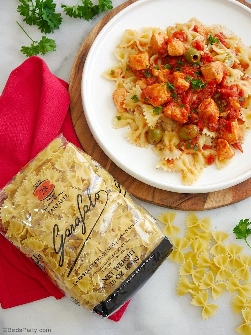 Pâtes Farfalle Sauce Tomate Épicée et Saumon - un plat délicieux, rapide et facile, parfait pour un dîner ou une célébration spéciale! by BirdsParty.com @birdsparty #apero #recetteapero #dinerrecette #pates #farfalle #recetteitalianne