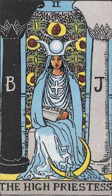 Lá High Priestess số 2 trong Tarot