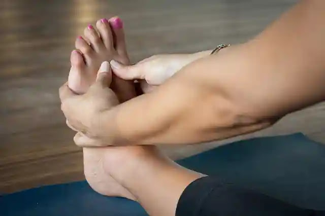 50 Weird Facts About Foot, Feet in Hindi