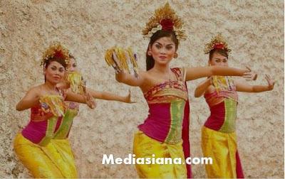 Tari Pendet Bali : Sejarah, Filosofi, Keunikan, Kostum dan Gerak Tari