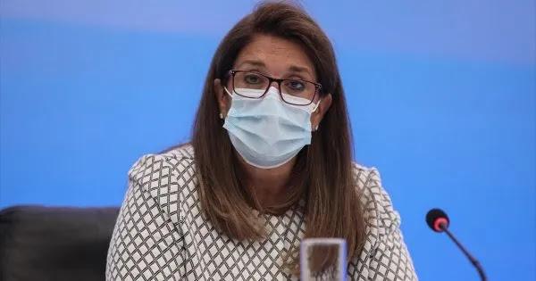 Η Βάνα Παπαευαγγέλου… προειδοποιεί: «Όχι καφέ σε παγκάκι - Να μη μιλάτε και να μην γελάτε δυνατά»!