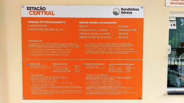 Tabela de preços durante a visita do projeto Mulheres Mundo Afora aos bondinhos Aéreos, no Parque da Serra, em Canela, na Serra Gaúcha. Esses preços podem sofre alterações