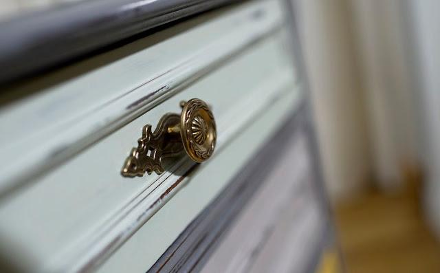 detalle-cajones-mesilla-vintage
