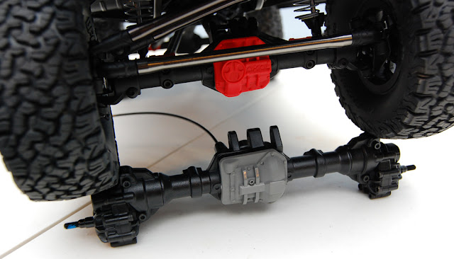 Traxxas TRX-4 Axle vs Axial SCX10 Axle