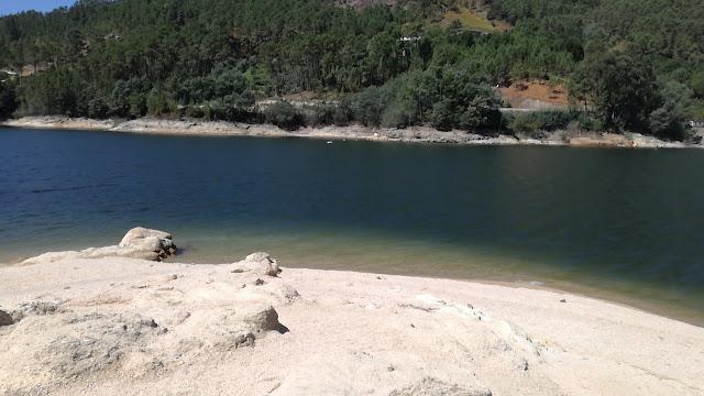 Praia Fluvial Gerês Albufeira  -Albufeira Caniçada