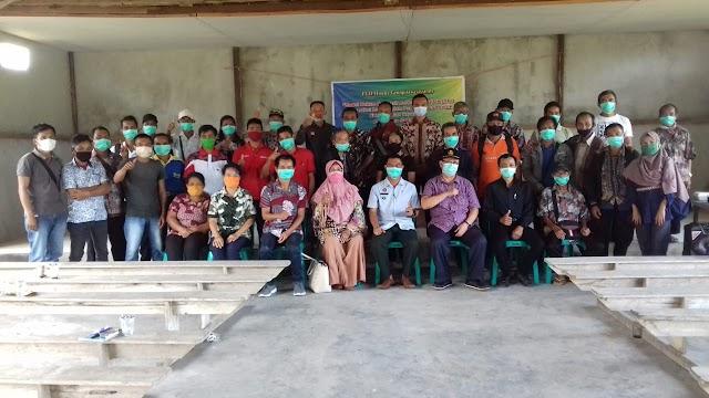 Tim Penelitian Inovasi Untan laksanakan Tri Dharma dalam rangka diskusi mendorong hadirnya Perdes Lembaga Adat Desa di Subah