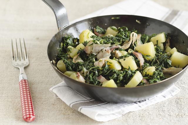 Tarassaco, pancetta e patate