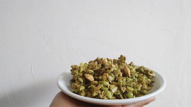 mola-granola-greentea