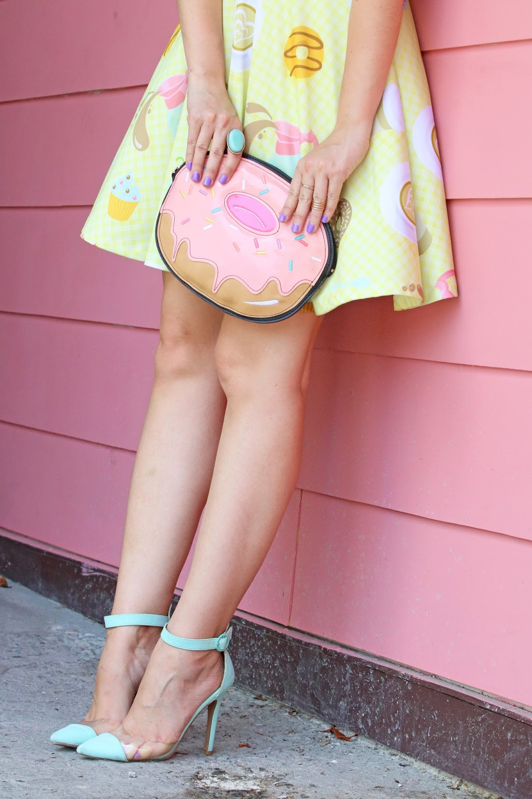Adorable donut clutch