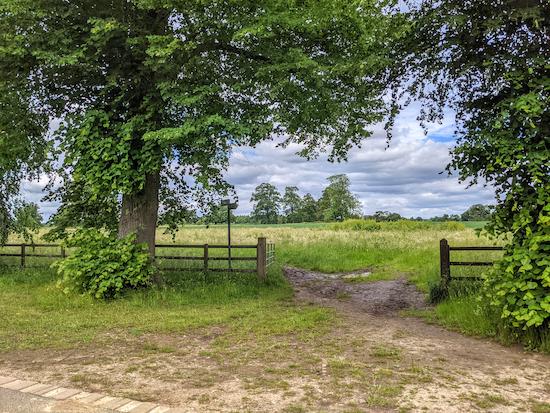 Harpenden Rural bridleway 2 heading NW