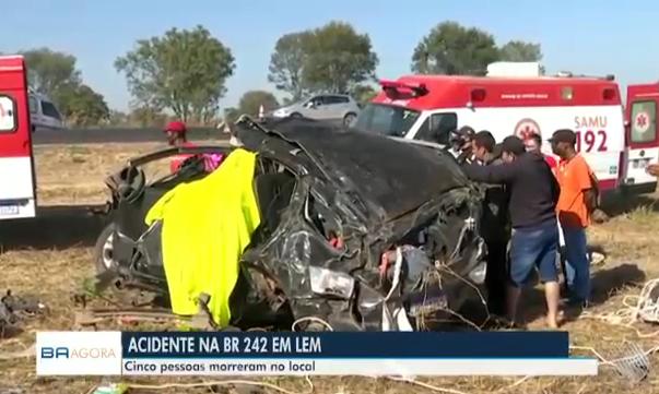 Mais informações sobre  um grave acidente aconteceu na BR-242 na manha desta sexta-feira em LEM