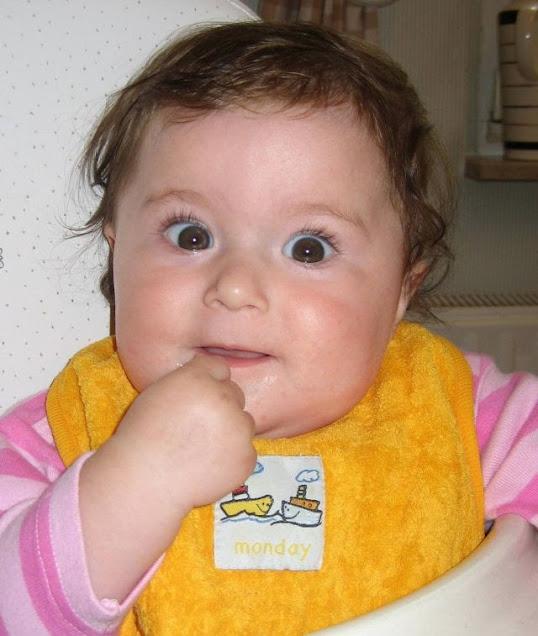 Babygebärde essen