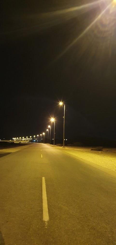 रात में सड़क الطريق ليلا 夜の道 ⛙