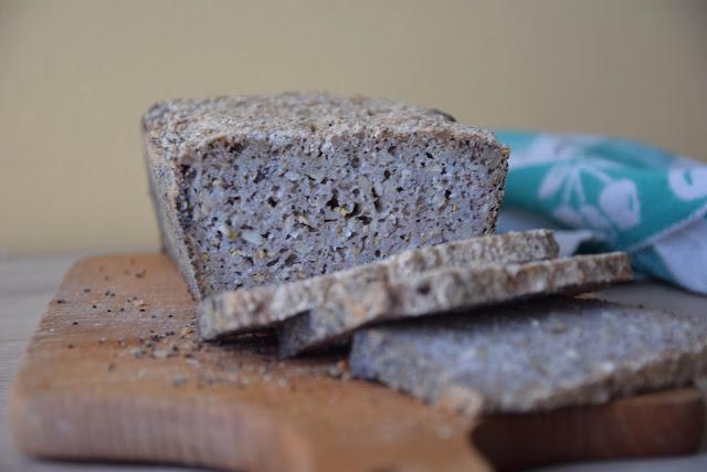 chleb bezglutenowy z niepalonej kaszy gryczanej