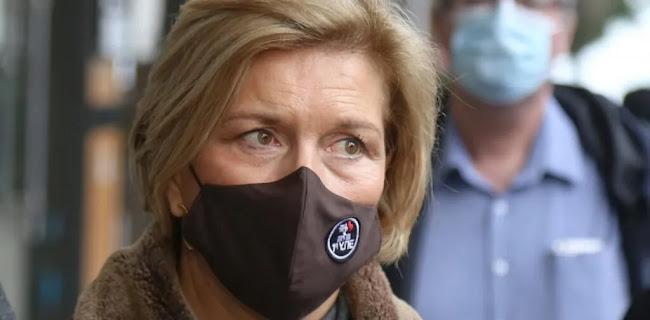 Γκάγκα: Είμαστε επικίνδυνοι όταν ΜΙΛΑΜΕ χωρίς μάσκα – ΑΚΟΜΑ και στο σπίτι μας, vid