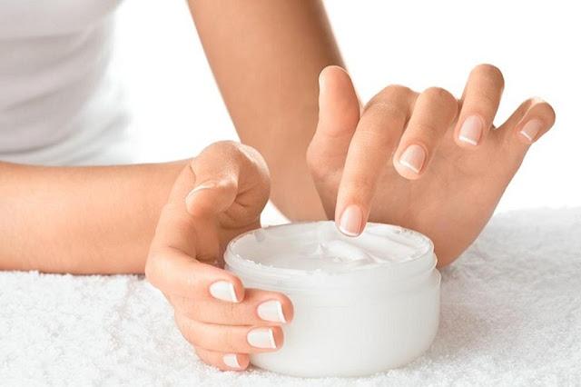 تنعيم اليدين فى الشتاء بالوصفات الطبيعيه