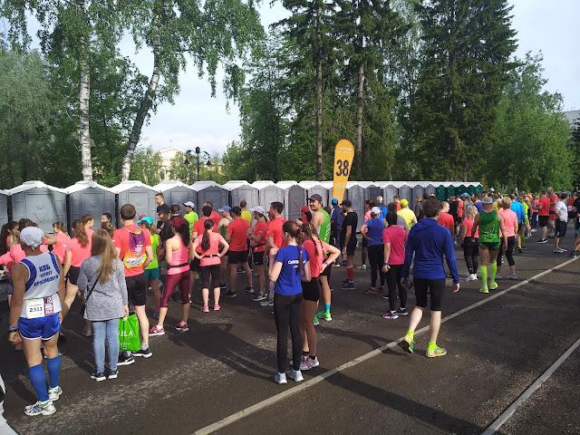 Туалеты на марафоне в Томске