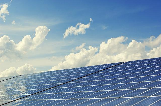 https://1.bp.blogspot.com/-RX0BaThpAPk/WsqFIr9mhHI/AAAAAAAALWs/So1LClFTbw4is9qUOfg7TOiz-EErytbSQCK4BGAYYCw/s640/photovoltaic-2138992_640%2B%25281%2529.jpg