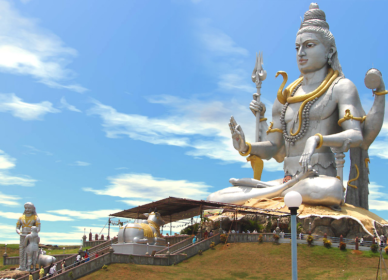 Beautiful Sea Side Marudeshwara Shiva Statue Largest