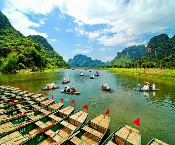 The Trang An Tourism Complex in northern Ninh Binh Province has been declared a World Culture and Nature Heritage site by the United Nations Educational Scientific and Cultural Organization (UNESCO)