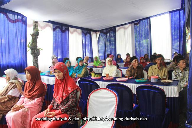 Photo Album Wedding DURIYAH & EKO untuk Sesi 01 - Seserahan, Persiapan Akhir Pra Pesta & Akad Nikah | Foto oleh : KLIKMG.COM Fotografer Purwokerto
