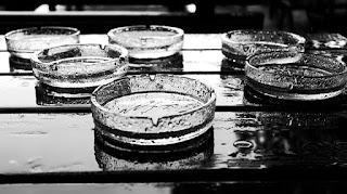 Cara Menghilangkan Bekas Air di Kaca Dengan Mudah