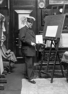 Edoardo de Martino, photographed at work in around 1906