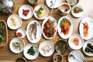 6 Kebiasaan Makan Orang Korea Selatan
