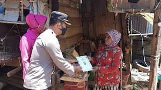 Hari Libur, Kapolres Bersama Ketua Bhayangkari Pangkep Bakti Sosial di Tondong Tallasa
