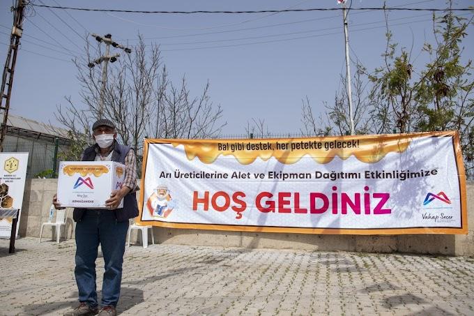 Büyükşehir'den 13 ilçedeki  toplam 708 arı üreticisine destek