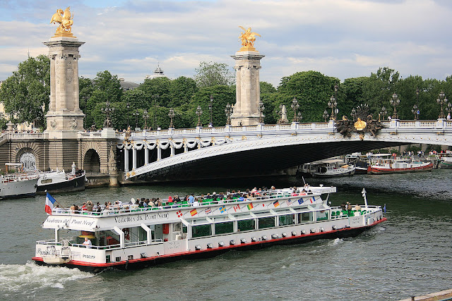 Passeio no Rio Sena, Paris