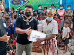 Kapten Rico Mafella Gandeng PRB Salurkan Bantuan Bagi Korban Bencana di Rote
