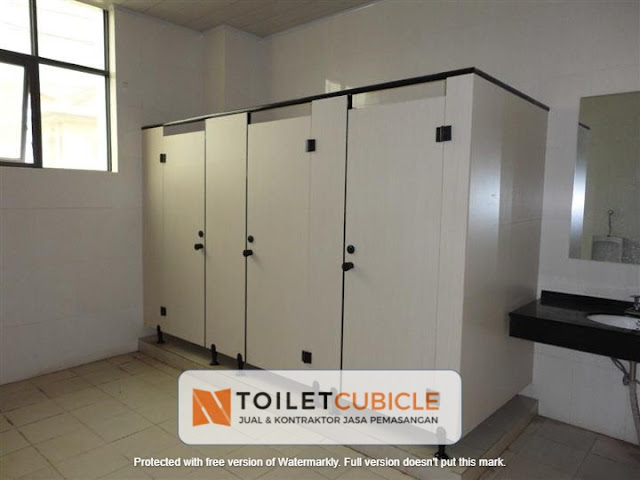 harga partisi toilet cubicle Tegal