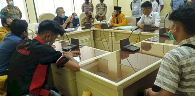 Meluas Ke Daerah, Giliran Mahasiswa Ngadep Ke Wakil Rakyat Minta Pilkada Ditunda