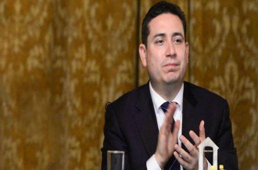 Renuncia secretario de la Presidencia de Ecuador tras polémica