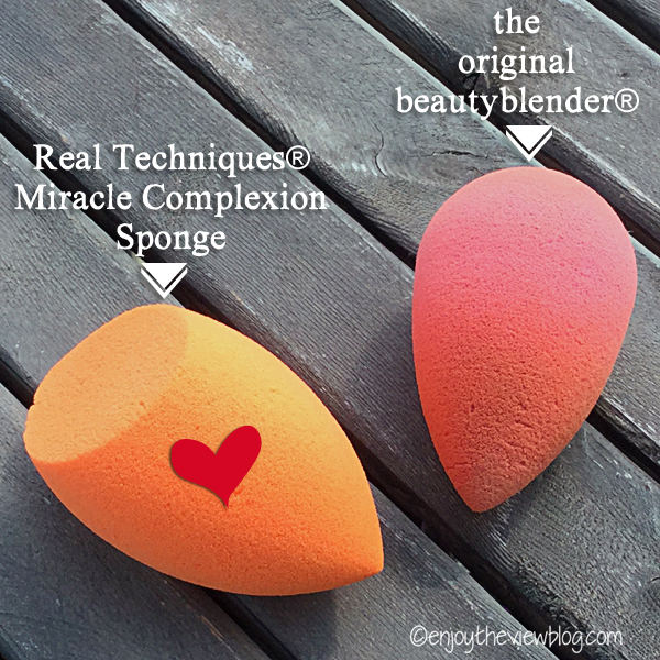 two different beauty blender sponges