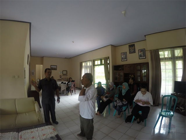 Ruang Tengah Villa di Sirah Kencong