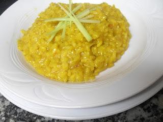 Receta de risotto al azafrán con pera y puerro