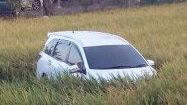 Panen di Desa Kalola Wajo, Ada Mobilio Putih di Tengah Sawah