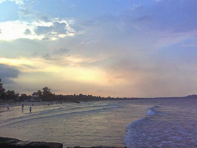 Sebuah pantai yang berada di desa Sinar Baru Pantai Matras yang Terpanjang di Bangka