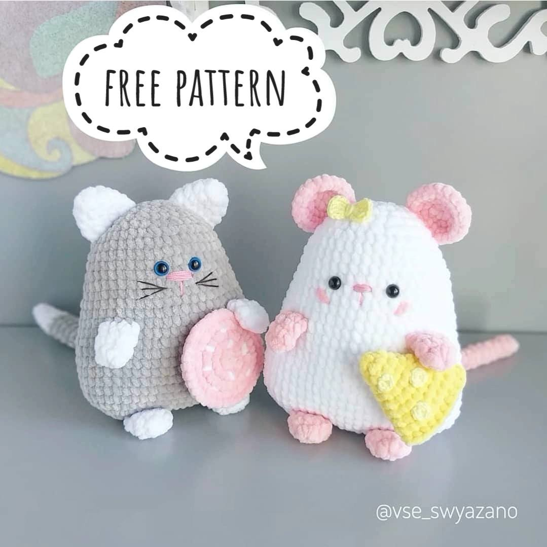 Amigurumi cat and mouse