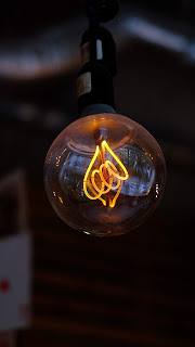 Light Bulb Mobile HD Walllpaper