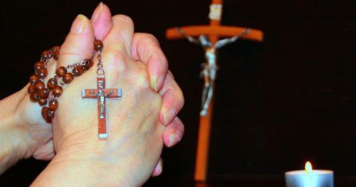 Kumpulan Doa Malam Katolik yang Bisa Didaraskan Sebelum Tidur