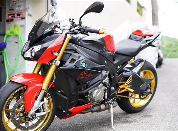 Spesifikasi BMWS 1000 R
