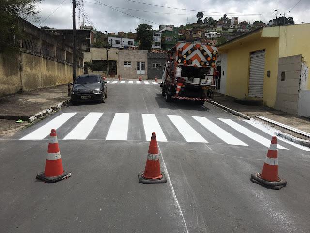 Principais ruas e avenidas de Ribeirão são sinalizadas pela prefeitura