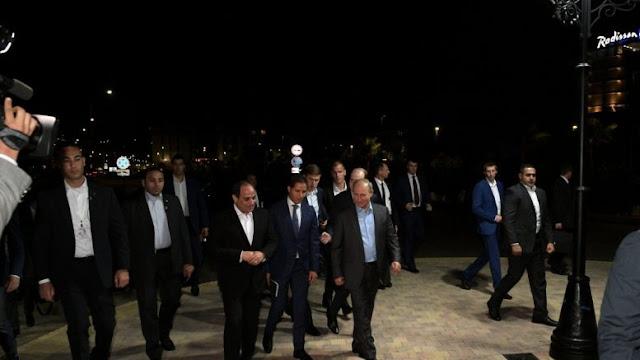 Ηγέτες του 21ου αιώνα: Ο Πούτιν είναι φίλος με τον Ταγίπ Έρντογαν επειδή τον κρατάει στο χέρι!