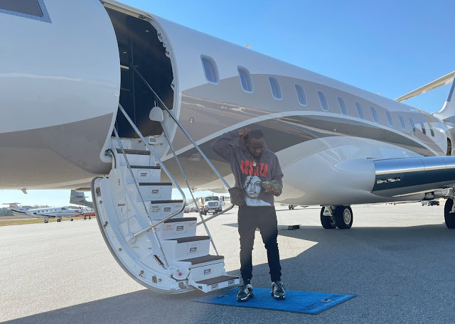 LA 4 LUNCH -  Davido Jets Off In A Private Jet For Lunch